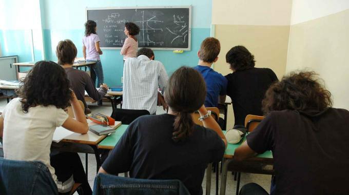 SCUOLA: SUPPLENTI DA SETTEMBRE SENZA STIPENDIO